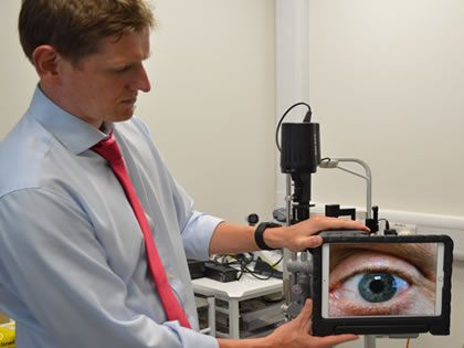 World's first tele-examination of an eye using 5G broadband